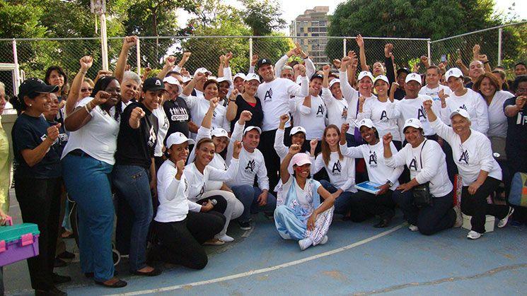 La Universal realiza labor social en Pinto Salinas (Caracas) - UNIVERSAL-VENEZUELA