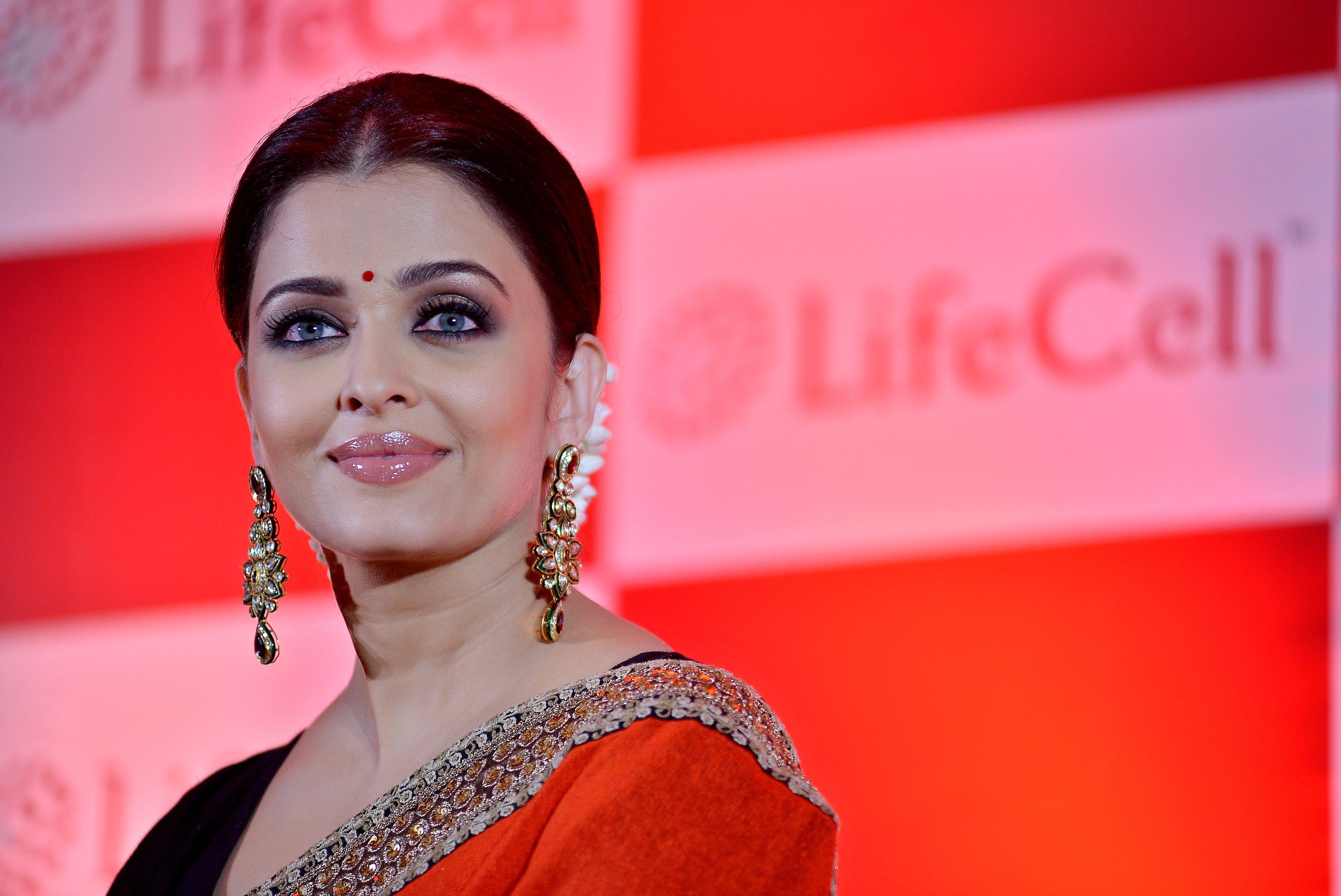 Aishwarya Rai LifeCell Event | AISHWARYA RAI BACHCHAN | Pinterest