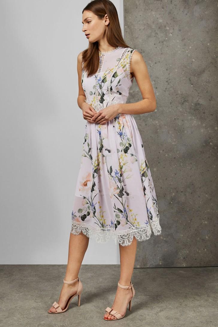 The 30 Best Summer Wedding Guest Dresses For 2021 Boda En Jardin Estilo Boda [ 1092 x 728 Pixel ]