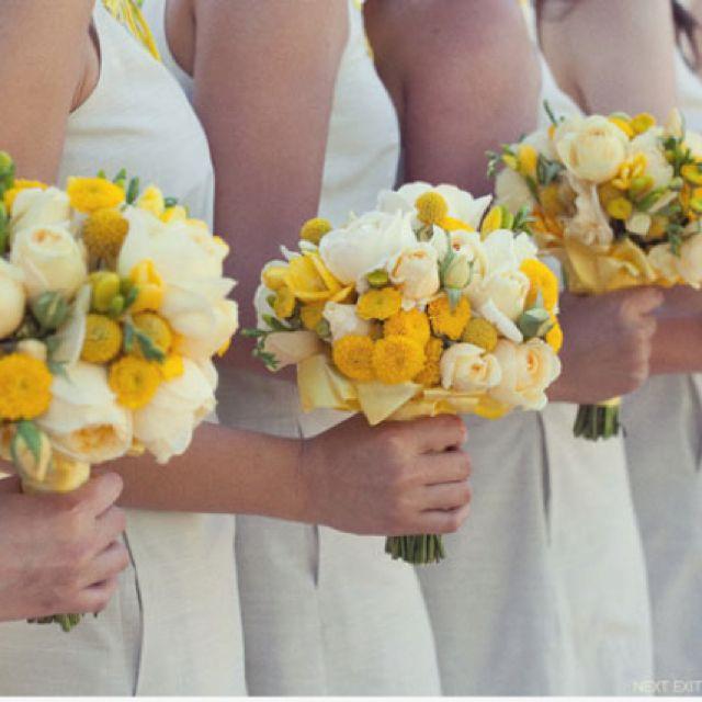 Mit diesem sonnigen Sträußen holen wir die Sonne ins Haus #sunshine #yellow #bridesmaids #rose #sun #bridesmaidbouquets