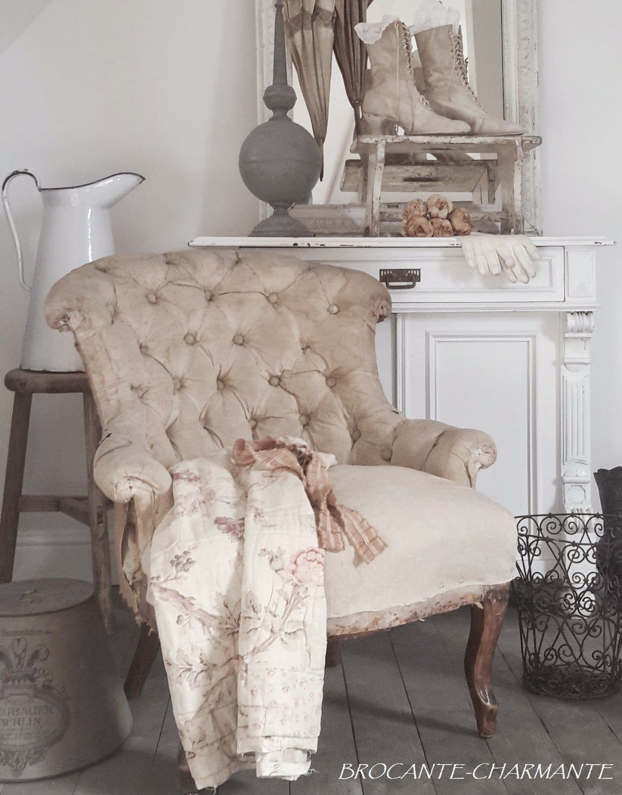 Fauteuil Shabby Chic Brocante Charmante Brocante In 2019 Brocante Fauteuil Chaise