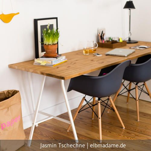 schreibtisch im wohnzimmer. Black Bedroom Furniture Sets. Home Design Ideas