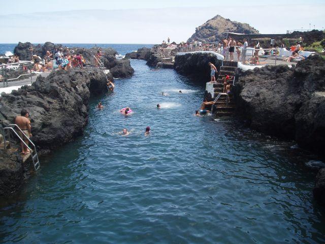 Piscinas naturales de agua de mar en garachico tenerife for Piscinas naturales de tenerife