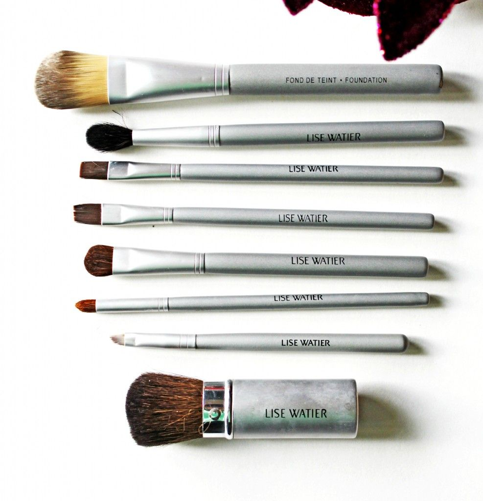 how to clean lise watier brush