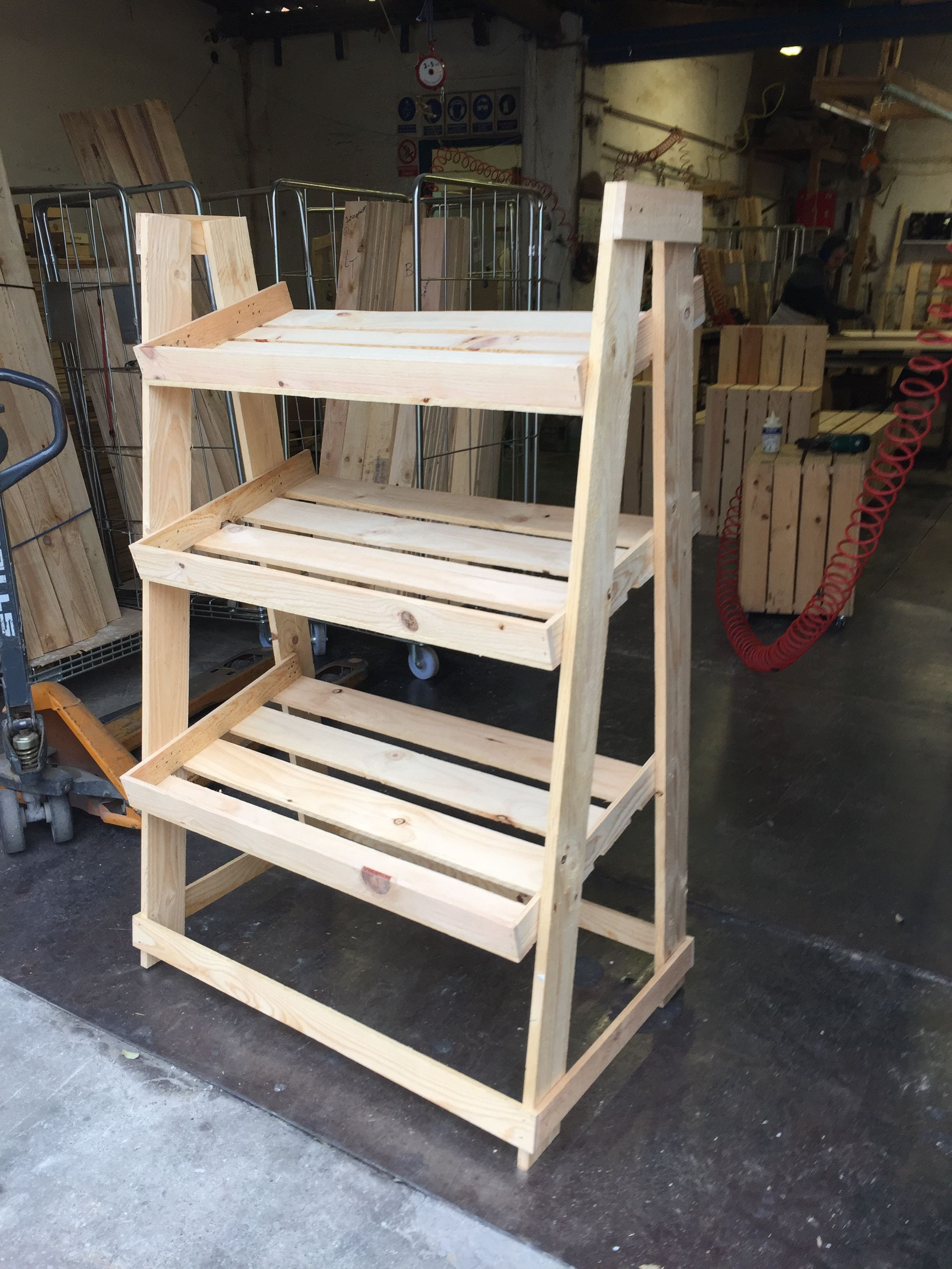 Mueble expositor para fruterías. | Cajas de madera | Pinterest ...