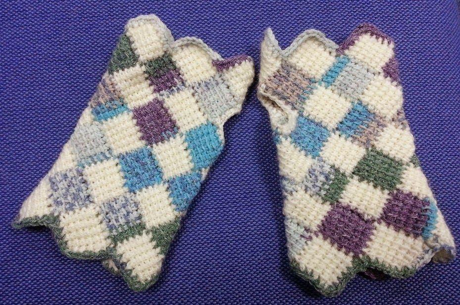 Pixie Mittens - Free Tunisian entrelac crochet pattern by Abi ...