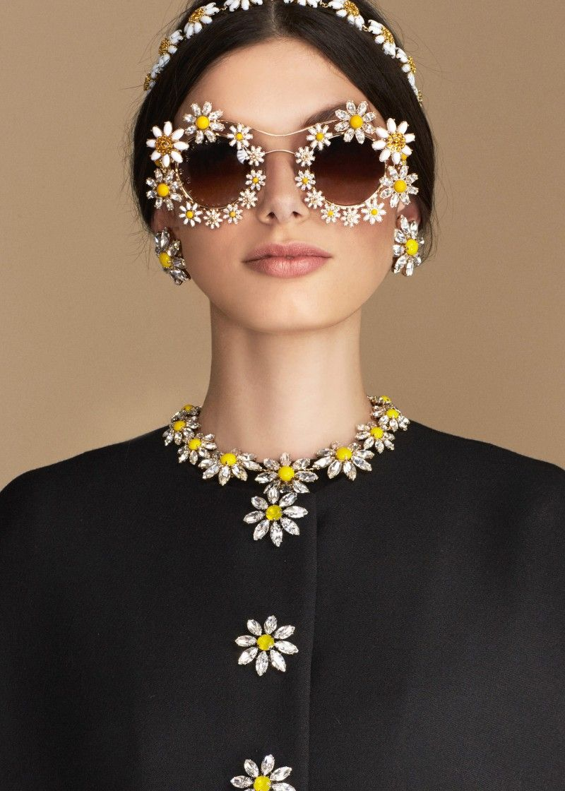 4a41b78c1 Discover the new Dolce & Gabbana Women's Carretto Daisy Collection for  Summer 2016 and get inspired.