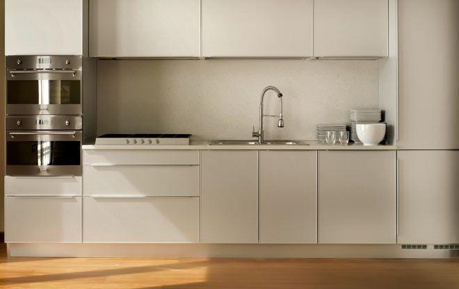 Infällda vitvaror i nytt kök
