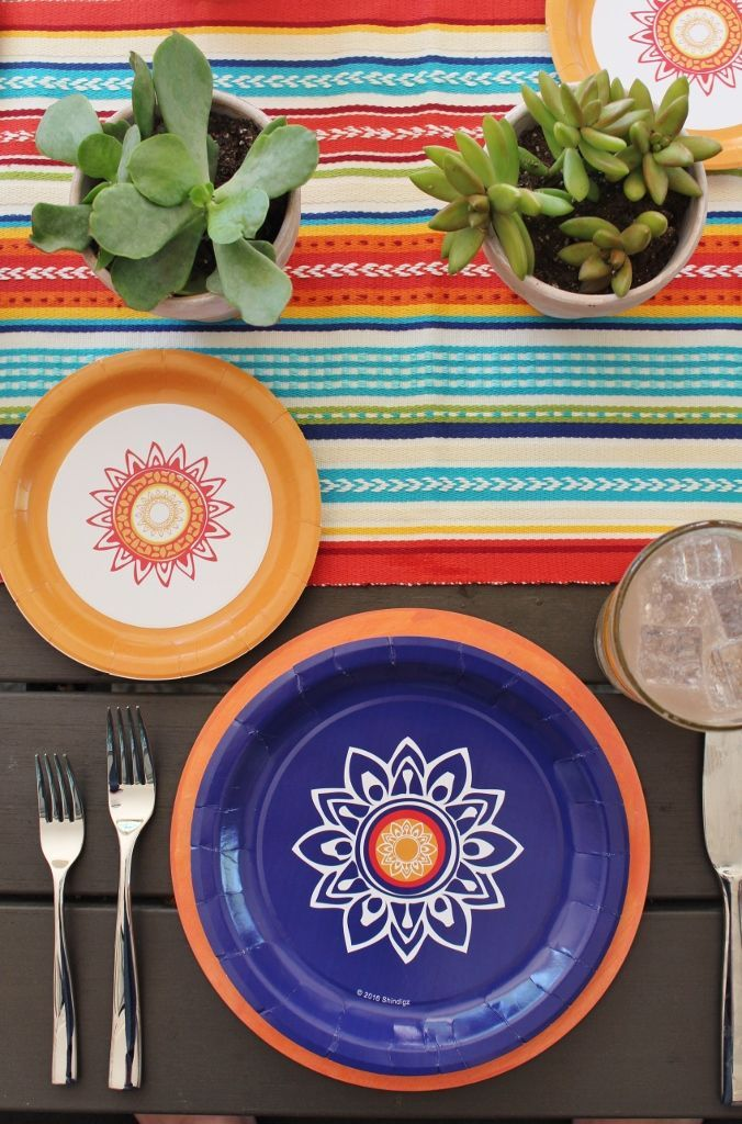 See more of this modern fiesta party on the blog! And shop these paper plates in our online store! #fiestapartyideas #modernfiesta #fiestatablescu2026  sc 1 st  Pinterest & See more of this modern fiesta party on the blog! And shop these ...