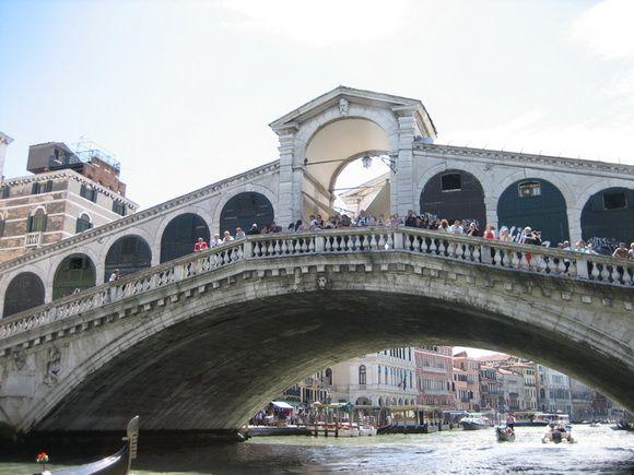 Photo of THE WORLD GEOGRAPHY: 11 Beautiful & Interesting Footbridges Around the World