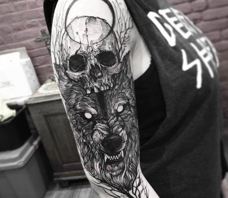 08d903428 Perfect black and grey Skull and Wolf tattoo art by Fredao Oliveira | Post  14442 | World Tattoo Gallery - Best place to Tattoo Arts