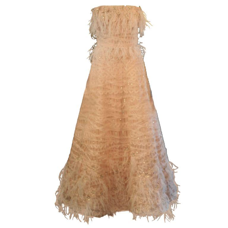 Oscar de la Renta Pink Feather Couture Evening Ball Gown Dress
