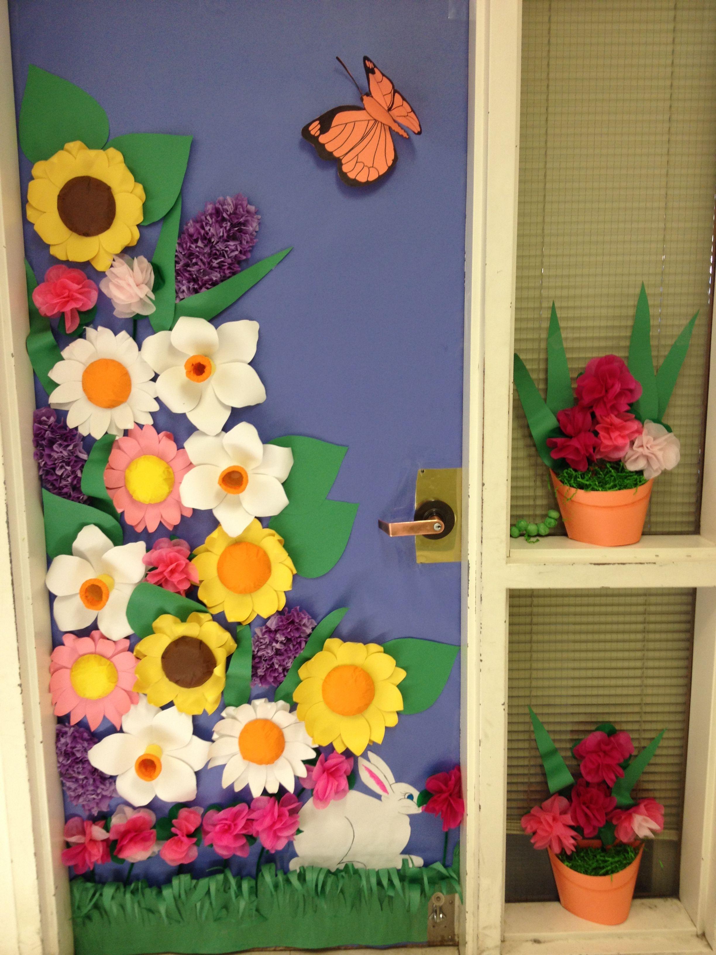 Classroom window decoration - Spring Door Contest Winner Door Displaysdecorated Doorsclassroom