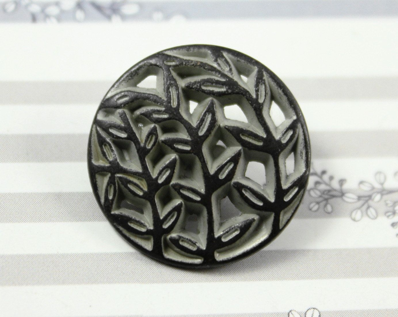 Leaf Vines Metal Buttons , Gunmetal Gray Color , Shank , 0.79 inch , 10 pcs by Lyanwood, $6.00