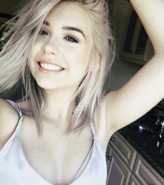 lacy fakes smile
