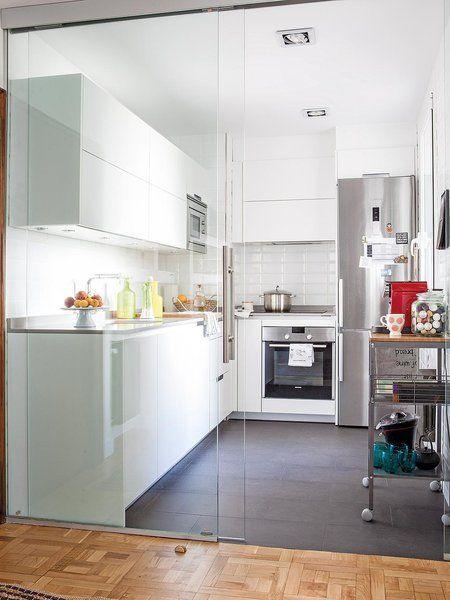 Distribuci n funcional en un piso de ciudad cristales - Distribucion cocinas pequenas ...