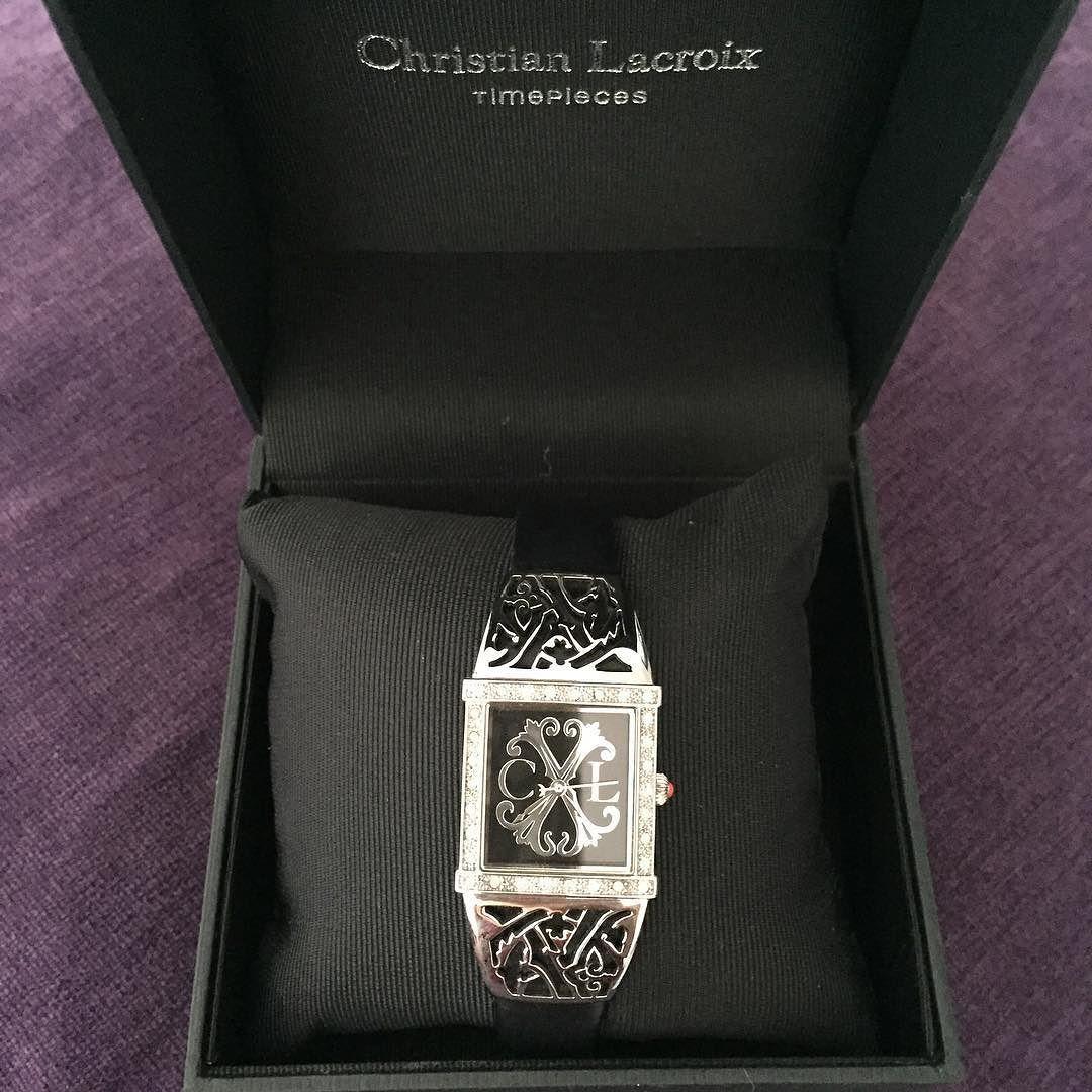 sublime montre femme de la marque christian lacroix prix : 50 euros