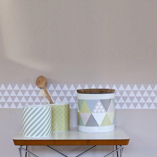 Frise adhésive murale triangles roses Smart Fifi Mandirac   Appart ...