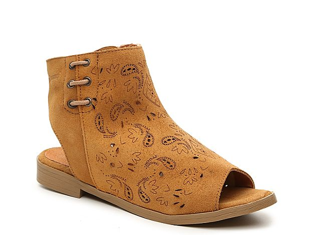 Shoes       Boots       Sandals       Handbags       Free Shipping