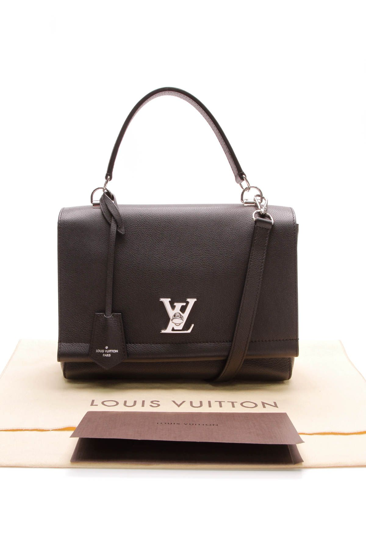 6f6543aaad3 This black Louis vuitton bag with silver hardware is everything . . . #lv  #louisvuittonbag #handbag #bag #designer #designerbag #designerhandbag  #logo ...