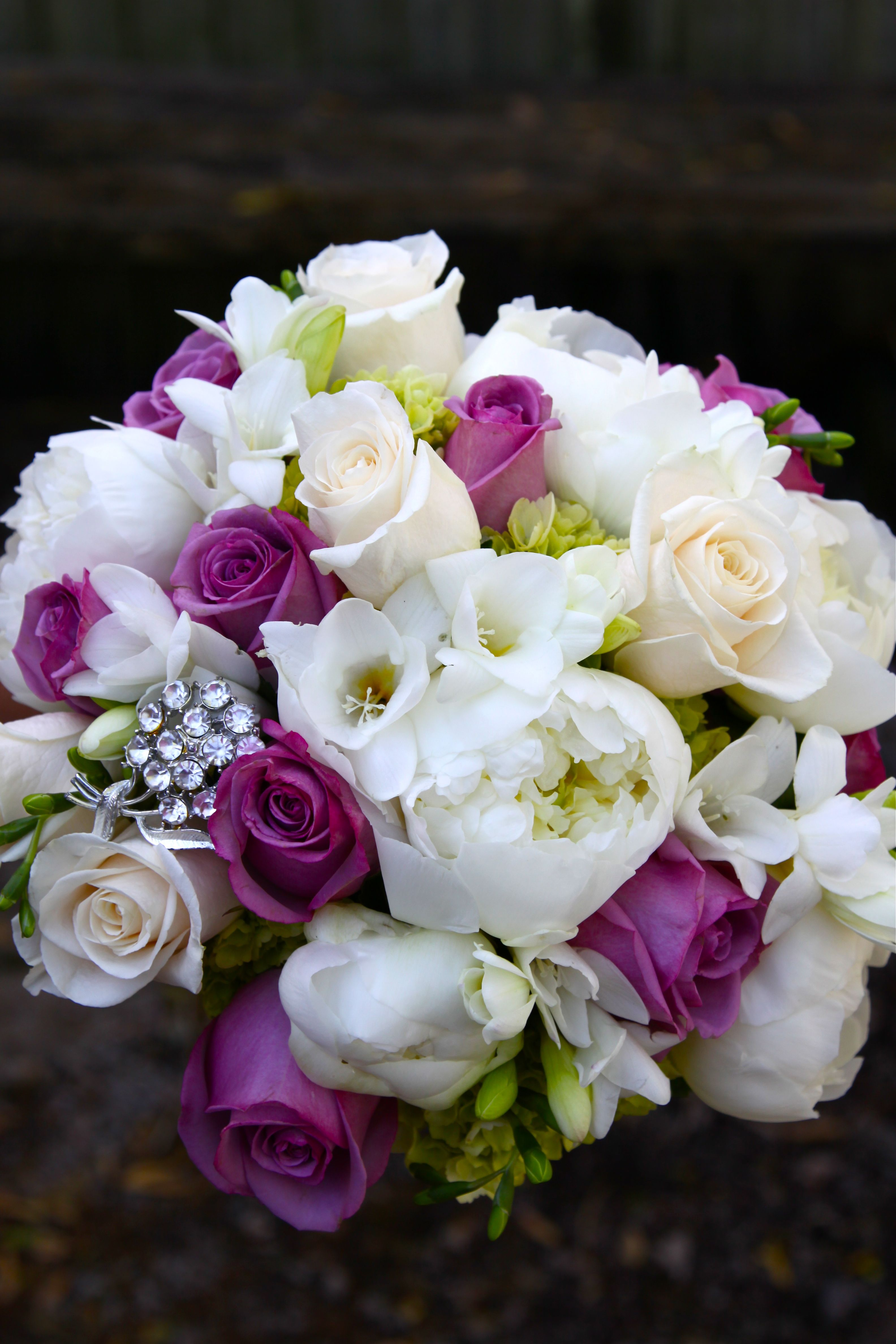 Wedding Boka With Keepsake Heirloom Brooch Kathy Miller At Spring