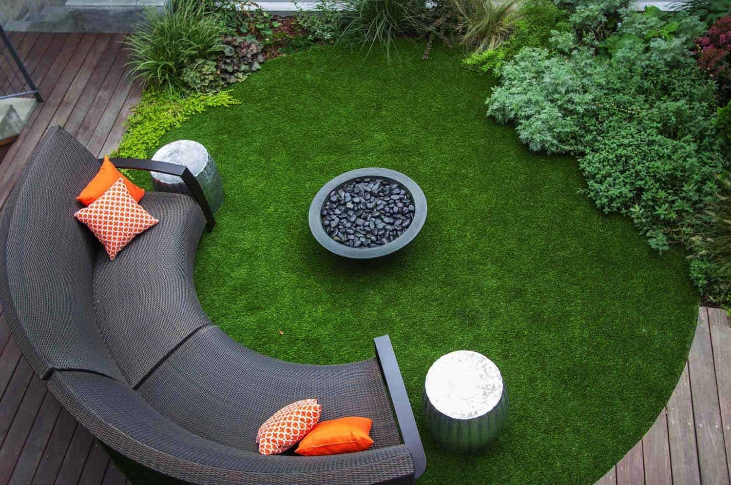 28 Inspiring Fire Pit Ideas To Create A Fabulous Backyard Oasis Modern Landscaping Backyard Patio Designs Fire Pit Seating Area