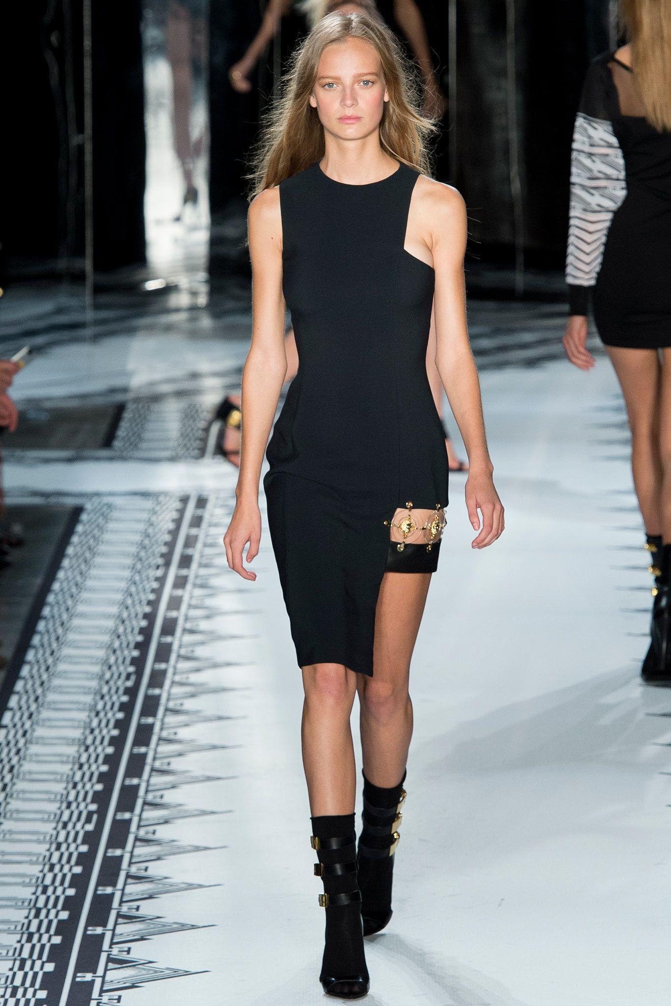 3ed5781c5 Versus Versace Spring 2015 Ready-to-Wear Fashion Show   Pinterest ...
