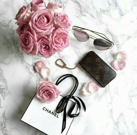 Chanel wallet & sun glasses