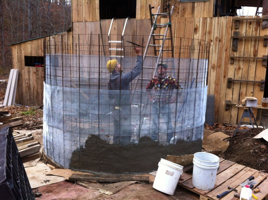 Building A Ferrocement Water Tank Part One Foundation And Walls Water Tank Faux Bois Building