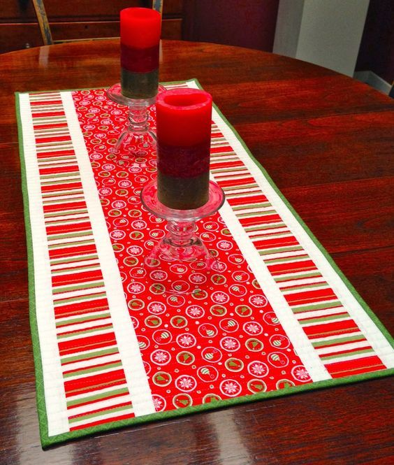 christmas table runner patterns free google search christmas rh pinterest com Christmas Table Runner Easy Pattern christmas table runner patterns uk