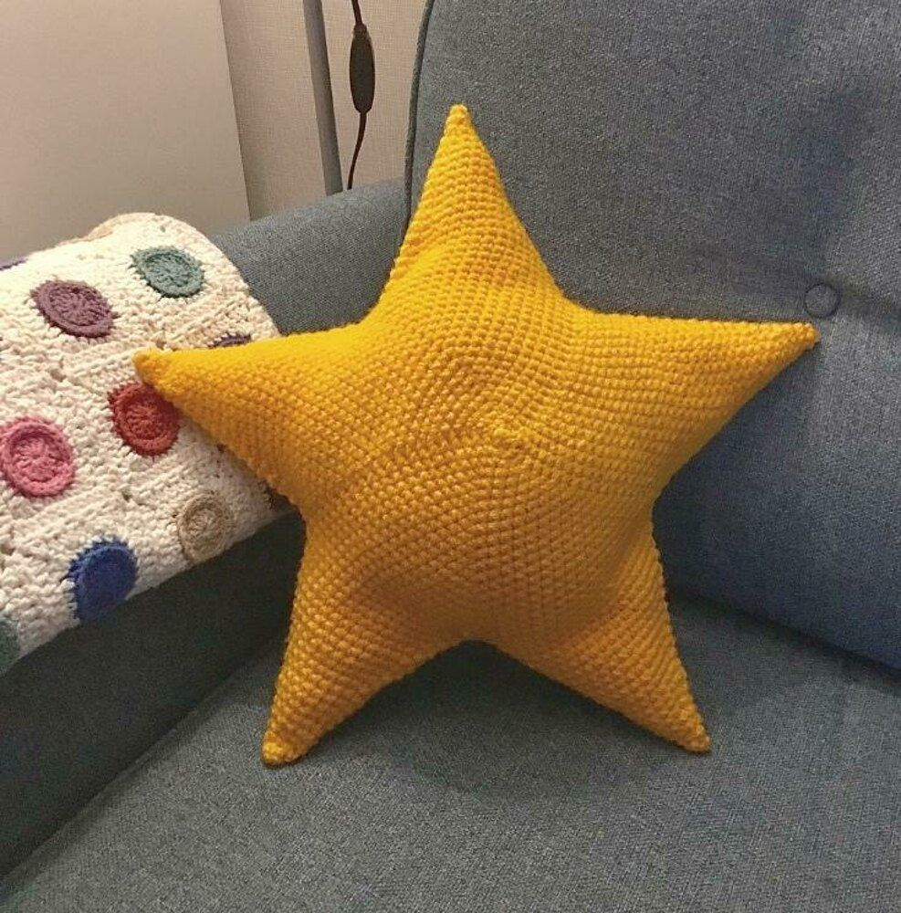 Big Star Pillow Crochet Pattern By Loopsan In 2020 Star Pillows Crochet Pillow Pattern Pillow Pattern