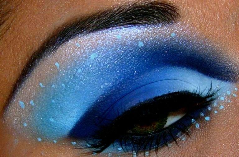 Dramatic Blue Eyeshadow Smokey Eye Makeup Eye Makeup Blue Makeup