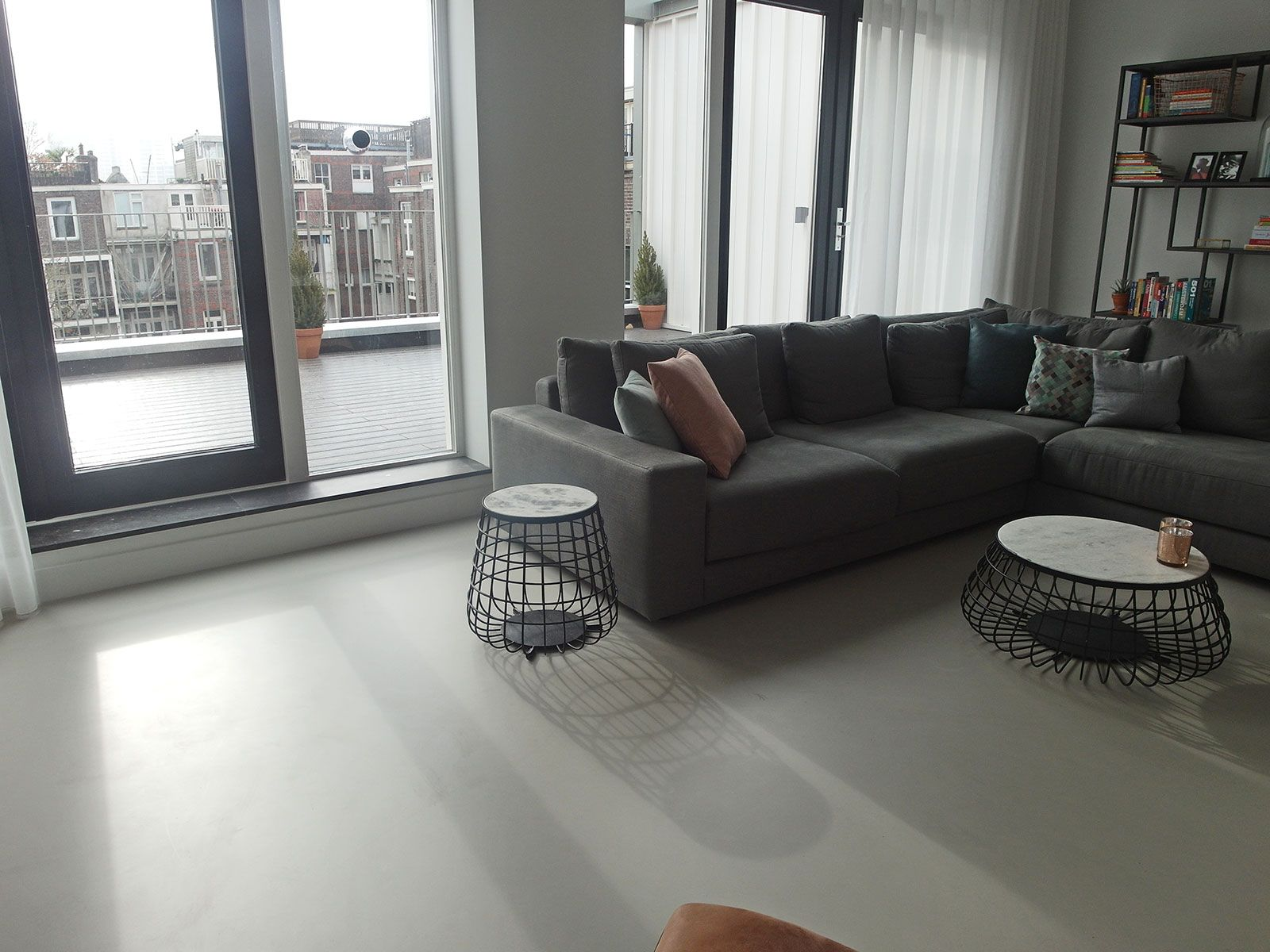 Gietvloer woonkamer Amsterdam | Huis - vloeren | Pinterest | Decoration
