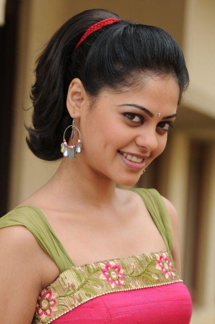 Photos Of Beautiful Indian Actress Bindu Madhavi Tamil And Telugu