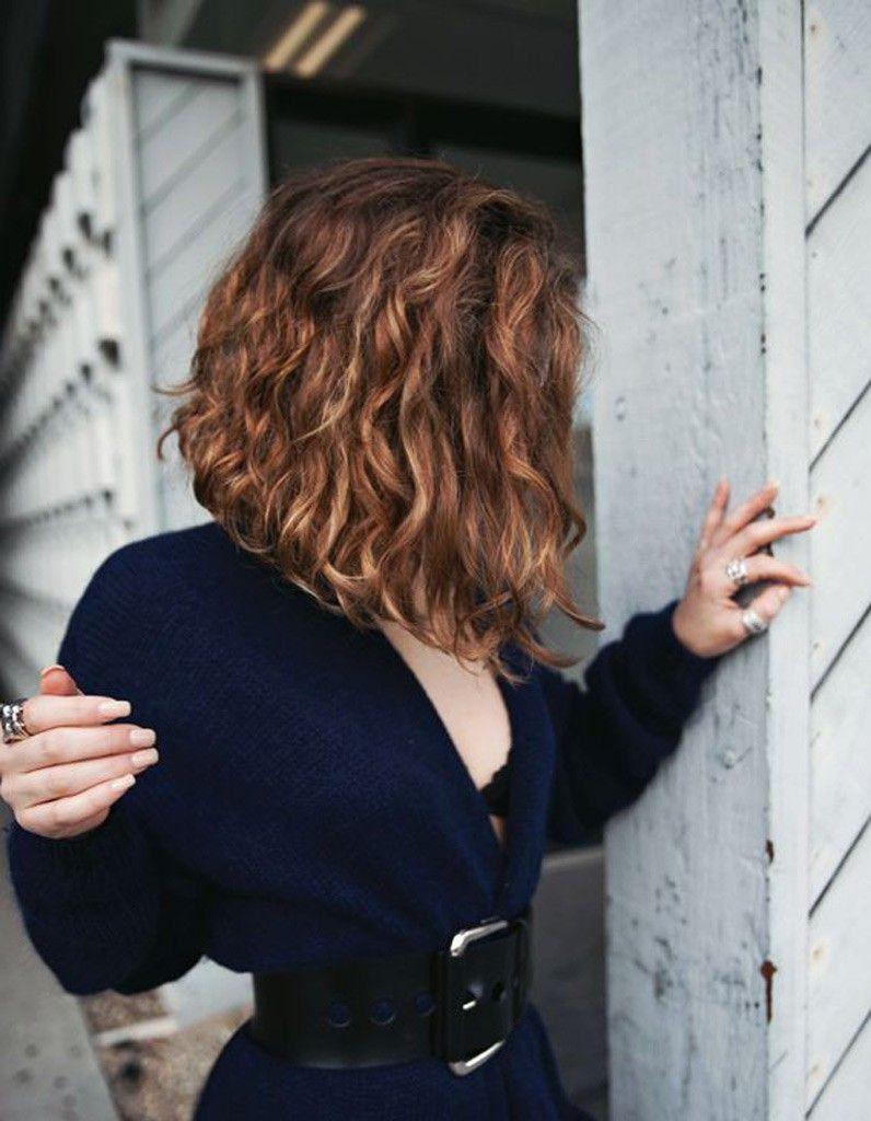 Carré plongeant frisé coiffures pinterest hair style hair