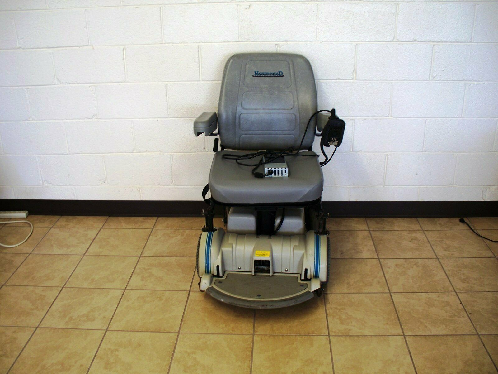 Hoveround Used Electric Handicap Motorized Wheelchair Y108