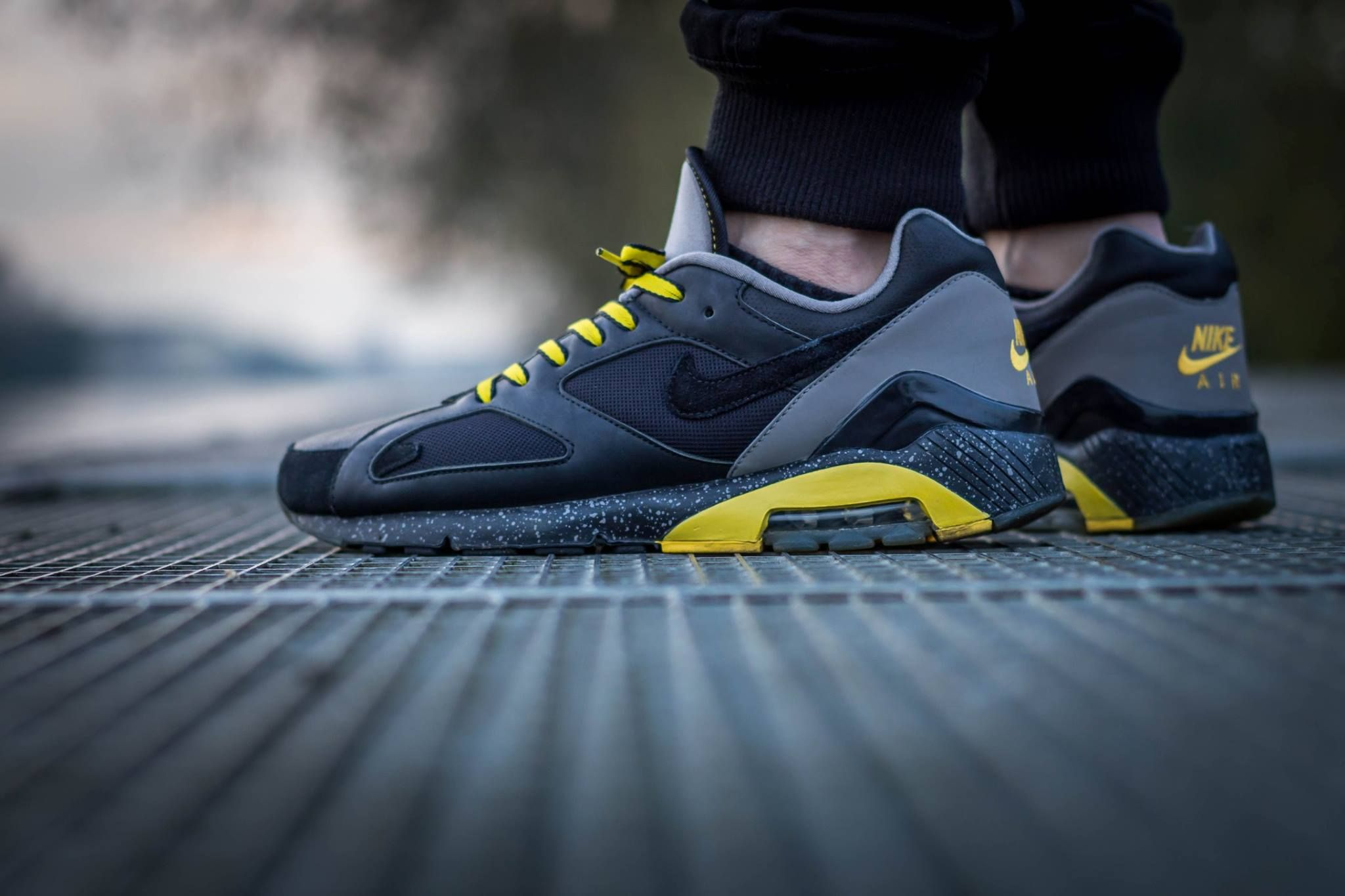 Idée et inspiration Sneakers Nike Image Description Nike Air Max 180 ' Livestrong'