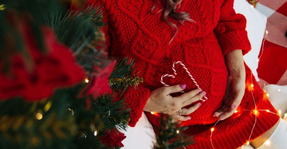Här är all julmat du kan äta som gravid #julmatjulbord Är du gravid och ska på julbord? Då kan du vara lugn - du kan äta det mesta, med några få undantag. #julmatjulbord
