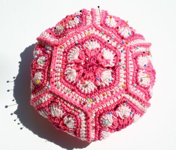 granny pincushion by UnaFormaDArteCrochet on Etsy