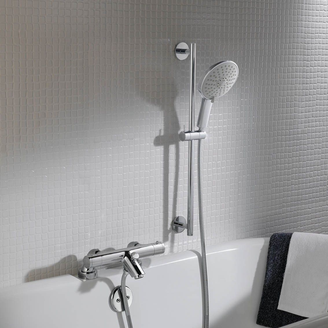 Round Bar Mixer Shower Kit With Bath Filler Multi Function Hand