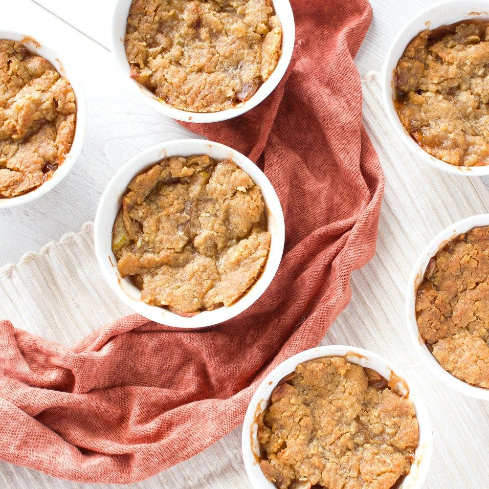 Before I got bitten by the dessert making bug three years ago, my mum used to regularly make killer apple crumbles. We couldn't get enough of them! But since I took over in the dessert department, my