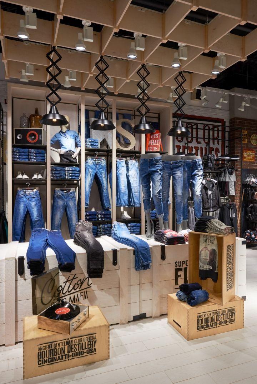 big sale 0a28e 0f440 ambiente de vaqueros con exposiciones de diseño denim Diseño De Interiores  Comerciales, Interiores De Tienda