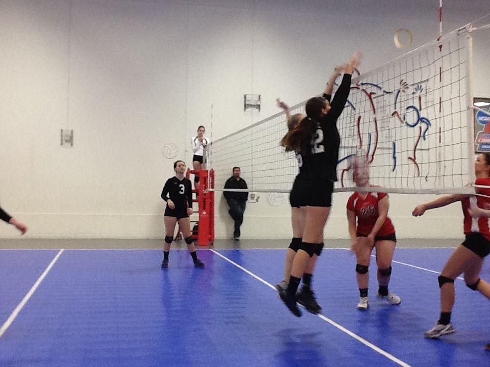 Waukee Volleyball In Omaha Volleyball Basketball Court Omaha