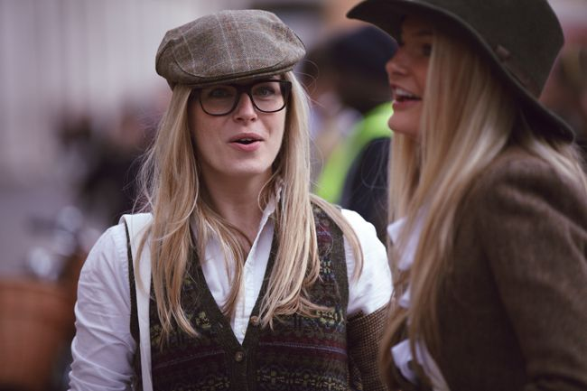 Chic in tweed