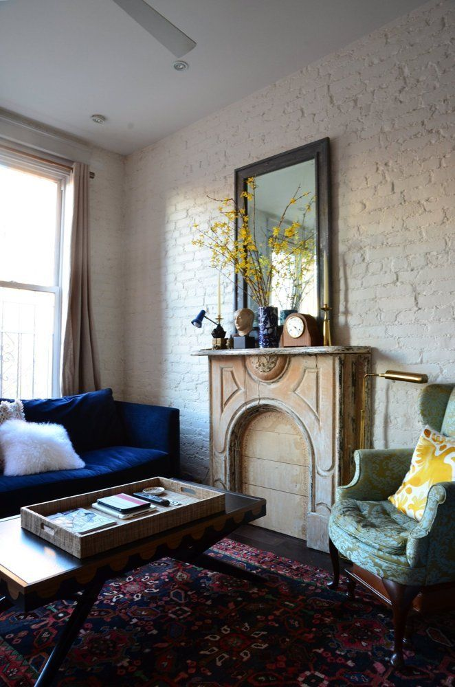 A New York Couple Shares 350 Square Feet Home, Love your