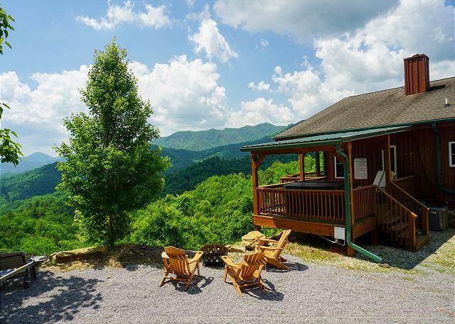Bryson City Nc United States Hemlock Ridge Lodge Yellow Rose Real Estate Vacation Rentals Bryson City Hot Tub Outdoor Vacation