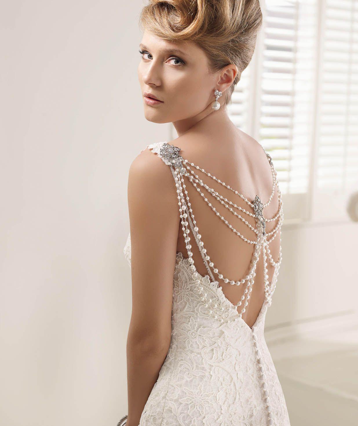 White Lily Couture Ronald Joyce Victoria Jane PAOLA 66004 close