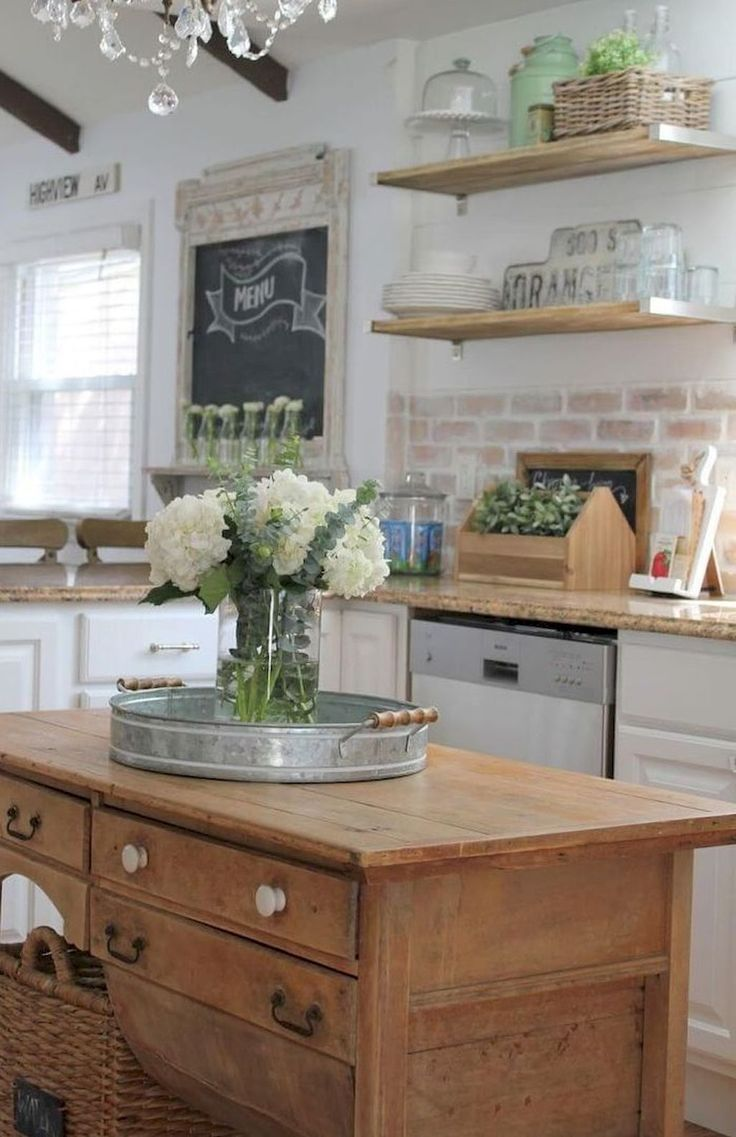 70 Inspiring Rustic Farmhouse Kitchen Cabinets Makeover Ideas ...