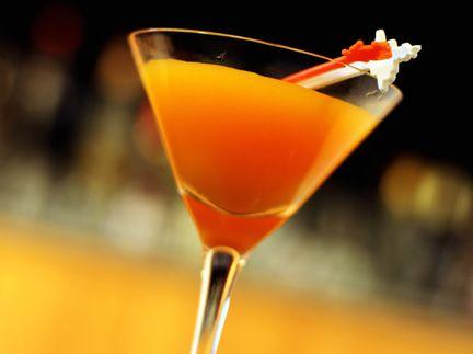 Mandarin Vodka Martini oz Orange Absolut Vodka splash of Cointreau splash  of cranberry juice splash of Rose's Lime Juice)