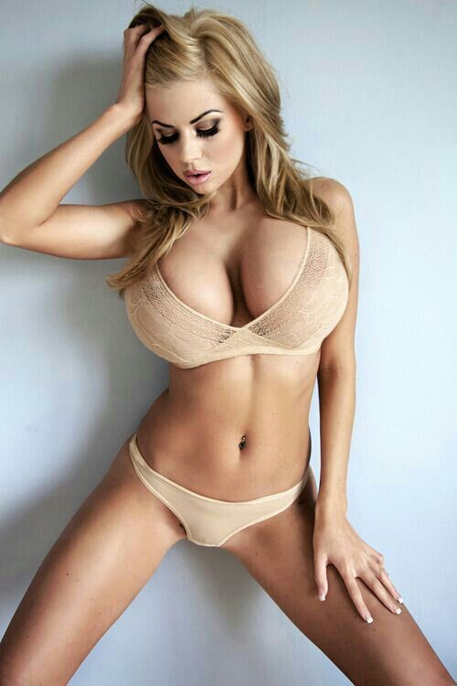 Sexy girls without wearing anything